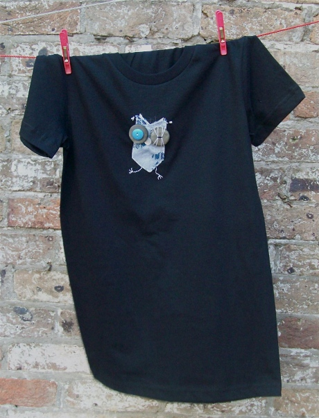 The Wobbly Owl T-shirt. Available in S, M, L and XL