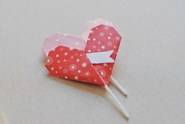 a-kiss-of-colour-diy-corazon-de-papel-para-san-valentin-paper-heart-for-valentines-day-18