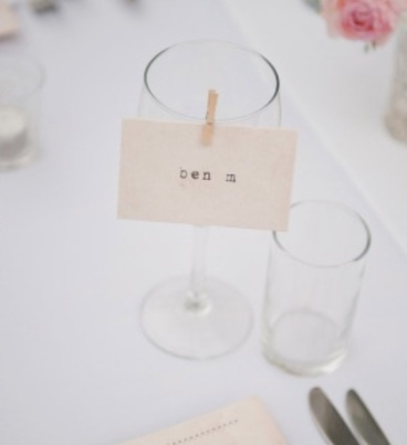 Single place cards. Image from Pinterest.