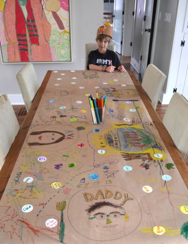 Kraft Paper table of thanks. Image from Art Bar Blog